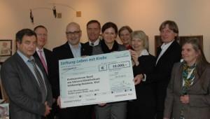 10000 Euro für Stiftung Leben mit Krebs